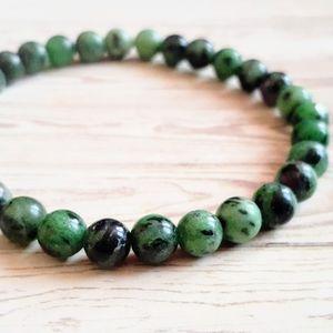 🖤3/$30🖤 Ruby in Zoisite Stone Bracelet